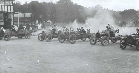 start-of-a-race-c1907